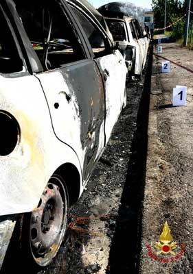 Foto della auto incendiate